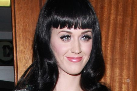 Katy Perry tröstet sich mit Background-Tänzer